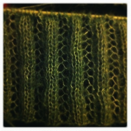 Circulating Library: This Season's New Knitting Stitch